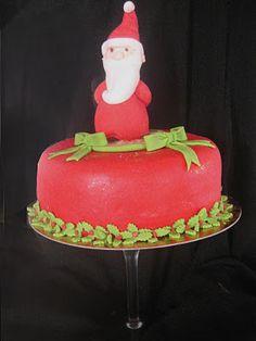 un tr s gros g teau pour l 39 anniversaire des 30 ans de mon ami passionn de cin ma cake. Black Bedroom Furniture Sets. Home Design Ideas