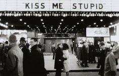 kiss me, stupid!