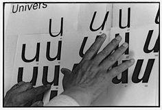 R.I.P. Adrian Frutiger. Samedi 12 septembre, le monde du graphisme a appris avec tristesse la disparition d'un de ses illustres représentants: Adrian Frutiger. Le célèbre typographe suisse est décédé à l'âge de 87 ans et laisse derrière lui plusieurs caractères internationalement reconnus. Des typographie connus de tous comme l'Univers, le Frutiger ou encore le Métro.
