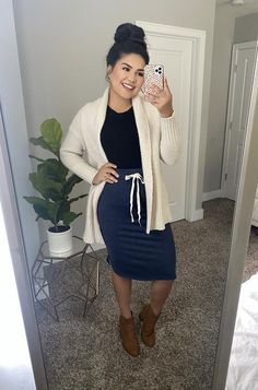 Modest Casual Outfits, Long Skirt Outfits, Pencil Skirt Outfits, Stylish Outfits, Cute Outfits, Fashion Outfits, Pentecostal Outfits, Modesty Fashion, Modest Skirts