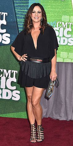 Sara Evans at the 2015 CMT Music Awards at the Bridgestone Arena, Tennessee June, Country Music Artists, Country Music Stars, Country Singers, Country Musicians, Archery Girl, Sara Evans, Cmt Music Awards, Country Women, Country Girls