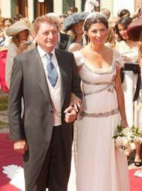 Resultados de la Búsqueda de imágenes de Google de http://www.hola.com/imagenes/famosos/2007091727219/famosos/boda/sevilla/0-83-991/2007-09-17-b.jpg