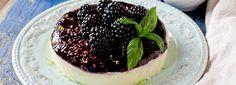 La ricetta per preparare dei Mini Cheesecake da offrire ai tuoi ospiti o da consumare per i tuoi spuntini! Semplici e saporiti. Mini, ma dal gusto maxi!