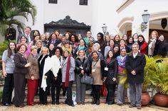 O cônsul-geral dos Estados Unidos em São Paulo, Dennis Hankins, recebeu na última quinta-feira (25/7)  em sua residência 50 mulheres para marcar o lançamento do Programa de Consultoria para Micro-Empreendedoras, um projeto do consulado dos Estados Unidos em parceria com  SENAC, SEBRAE e associações de mulheres.