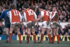 Arsenal 2 Middlesbro 2 in Feb 1981 at Highbury. John Hollins organises a defensive wall for Arsenal in the Division clash. John Hollins, Everton Fc, Middlesbrough, Arsenal, 2 In, Division, Football, 1980s, Running