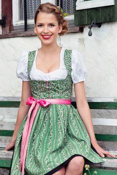 Evelyn Grün Minidirndl mit Herz | Dirndl.com