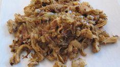 encore une recette de mon livre de cuisine lyonnaise &le gras double n'est pas du gras mais une partie de l'estomac de la vache,un monument de la cuisine lyonnaise& pour 4 personnes =5PP par personne 800g de gras double cuit 400g d'oignons émincés 2càs...