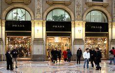 Christmas shopping in Milan