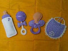 Dicas e ideias de lembrancinhas de chá de bebê, modelos prontos e personalizados e modelos simples que podem ser feitos em casa.