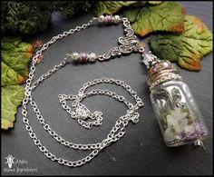 ☽•☾ Sanctuaire de lune ☽•☾ Parure grande fiole minérale,Pierre de lune arc en ciel, mousse stabilisée : Parure par atelier-bijoux-legendaires