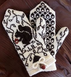 Adrian Bizilia's pattern Squirrel Sampler Mittens knit using Harrisville Designs' Shetland yarn. Fair Isle Knitting, Loom Knitting, Knitting Patterns Free, Hand Knitting, Crochet Patterns, Hat Patterns, Stitch Patterns, Fingerless Mittens, Knit Mittens