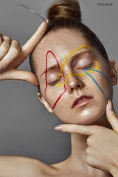 Dramatic Face Paint Editorials : geometric beauty