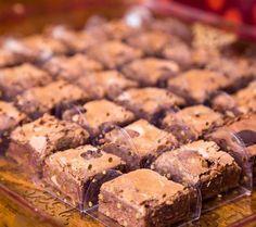 Social Share Page Mini Brownies, Blondie Brownies, Brownie Cupcakes, Cupcake Cakes, Mini Desserts, Dessert Recipes, Vegan Candies, Cookies, Brownie Recipes