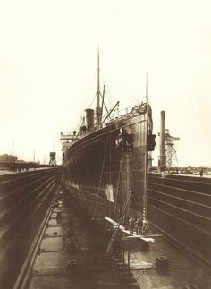 """Speed machine.  S.S. Kaiser Wilhelm der Grosse, was the flagship of Norddeutscher Lloyd; here during construction at the Vulcan Stettin shipyard. She was the first ship built to have the famous """"Four Funnel"""" arrangement.     ship outside the sea = nightmare"""
