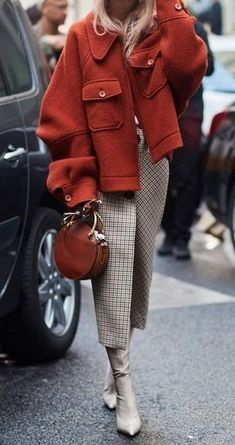 rust oversized jacket. plaid wrap print. #streetstyle