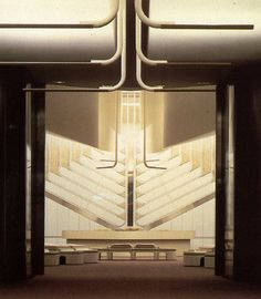 Philips Lighting The International Collection of Interior Design | ©1985 Grosvenor Press