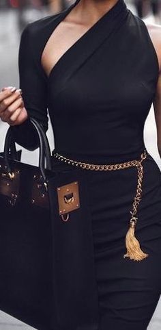 Just a pretty style | Latest fashion trends: Black everywhere | Asymmetrical belted one sleeve black dress with tote bag #LatestFashion