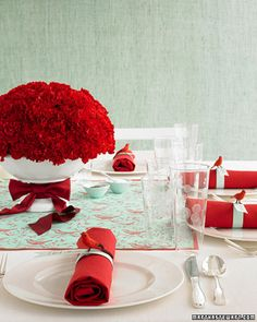 Color palette: Aqua and Red? Two-Tone Reception Tabletop