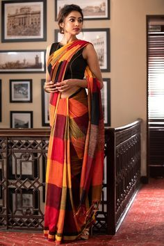 Soft silk sarees - buy the latest collection of soft silk sarees. check new and trendy wears for women. Mysore soft silk sarees and Kanjivaram soft silk sarees. Dress Indian Style, Indian Dresses, Indian Outfits, Emo Outfits, Party Outfits, Party Dresses, Indian Beauty Saree, Indian Sarees, Checks Saree