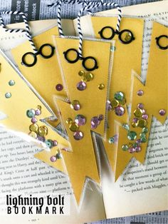 Lightning Bolt Bookmark Inspired by HP, DIY and Crafts, Lightning Bolt Bookmark inspired by Harry Potter and the Sorcerer& Stone Anniversary. A fun Harry Potter kid& craft to make and give. Harry Potter Motto Party, Deco Harry Potter, Cumpleaños Harry Potter, Harry Potter Bookmark, Harry Potter Classroom, Harry Potter Birthday, Scrapbooking Harry Potter, Harry Potter Activities, Harry Potter Crafts Diy