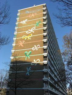 Muurschildering van Wally Elenbaas op de Kellooggplaats, Ommoord in Rotterdam, Zuid-Holland
