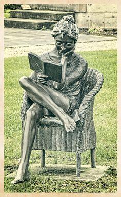 https://flic.kr/p/pYiDrd | Relaxing Reader Sculpture | Solis Lough Eske Castle, Donegal, Ireland