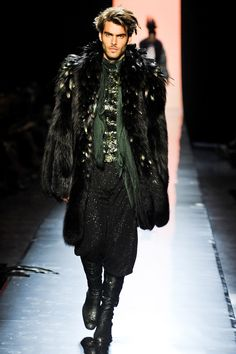 Jean Paul Gaultier Fall 2011 Couture | Paris Haute Couture