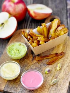 Dessert trompe-l'oeil : frites ketchup mayo : Recette de Dessert trompe-l'oeil : frites ketchup mayo - Marmiton