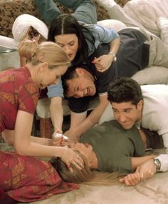 The famous eye drop scene #Friends