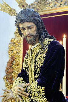 También hoy se inicia el Quinario en @HdadSanGonzalo al Señor del Soberano Poder. Será a partir de las 20:30. Jesus Christ Images, Jesus Art, My Jesus, Catholic Art, Religious Art, Rosary Mysteries, Jesus Loves Us, Holy Rosary, Angel Statues