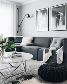Awesome 5 Fascinating Monochrome Living Room Design and Decor Ideas You Need to Know Maybe you are looking for an impressive living room design and decoration for you to use this year? So we have a monochrome living room design that yo. Living Room Grey, Home Living Room, Apartment Living, Living Room Designs, Living Room Decor, Apartment Interior, Room Interior, Scandinavian Living, Scandinavian Design