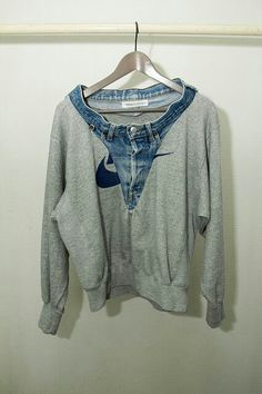 Een trui en broek in 1 haha