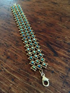 Bracelet Swarovski, Beaded Cuff Bracelet, Cuff Bracelets, Teardrop Earrings, Crystal Earrings, Crystal Beads, Unique Jewelry, Handmade Jewelry, Jewelry Design
