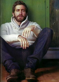 Jake Gyllenhaal, fuzzy sweater, fuzzy face.