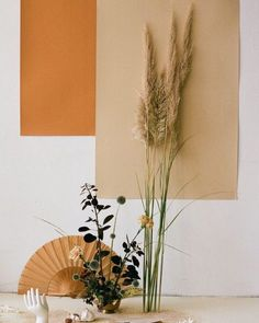 Direction & Still Life with Camel colour for MLLM / Beautiful photo by Alba Yruela and Art direction & Style by Nia Delfau Floral design by Estudio Sauvage Arte Floral, Deco Floral, Floral Design, Palettes Color, Fotografie Hacks, Deco Boheme, Diy Inspiration, Prop Styling, Deco Design