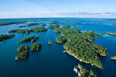 Nature like you've never seen! Spend the weekend exploring the beautiful 1000 Islands in Ontario! The Places Youll Go, Places To See, Island Cruises, Thousand Islands, Visit Canada, Island Tour, Canada Travel, Canada Trip, Day Trips