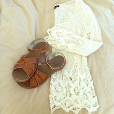 Crochet lace top Fits size xs/s lace crochet top very cute make me an offer:) Tops