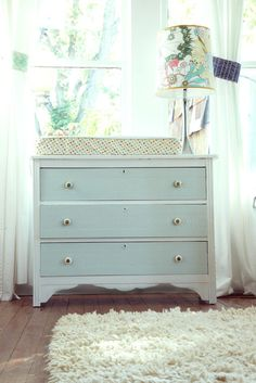 Baby dresser & changing table - great lamp