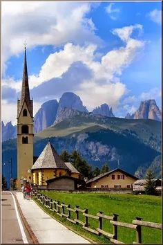 Alba di Canazei | Italy...OMG..I wanna go see this!