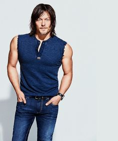 Norman Reedus look at those arms Lordy Lordy O_o