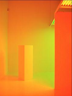 CARLOS CRUZ-DIEZ | Broken English desde la arquitectura, el op art y la iluminación, Carlos Cruz Diez ha sido uno de los grandes artsitas del COLOR.