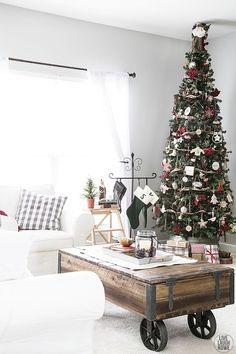 Beautiful Woodland Christmas Tree. livelaughrowe.com: http://livelaughrowe.com/woodland-christmas-home-tour/