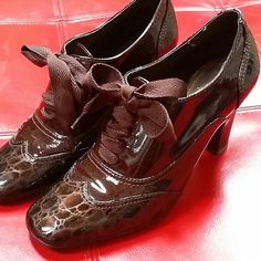 Maroon Franco Sarto Oxford Shoes Maroon Franco Sarto Oxford Shoes. Patent leather. Worn a few times. Size 5.5. Franco Sarto Shoes