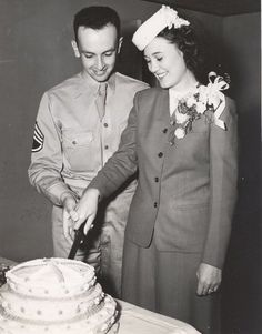 Past to Present : Maine WWII Wedding Cake US Army Airfield Presque Isle Photo 1943