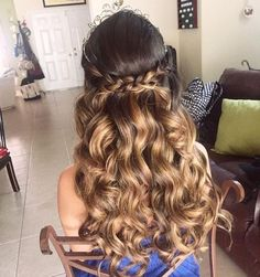 Quince Hairstyles Half Up Half Down with Crown . 4 List Quince Hairstyles Half Up Half Down with Crown . Quinceanera Hairstyles with Tiara Hair Down Hairstyles Sweet 16 Hairstyles, Quince Hairstyles, Holiday Hairstyles, Crown Hairstyles, Curled Hairstyles, Summer Hairstyles, Wedding Hairstyles, Debut Hairstyles, Curly Homecoming Hairstyles