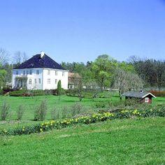 Semb hovedgård, Eskebekkveien 98, NO-3186 Horten Villas, Norway, Cabin, Mansions, Architecture, House Styles, Pictures, Arquitetura, Villa