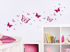 Wandtattoo Zweifarbiges Schmetterlinge Set als Dekoration im Kinderzimmer. Die Schmetterlinge können auch als Türtattoo, Möbeltattoo oder Fenstertattoo angebracht werden.