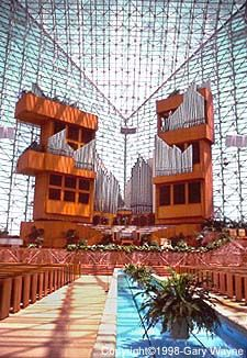 The Crystal Cathedral hazel wright organ-one of the largest pipe organs ever made