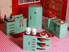 Image detail for -Vintage Plasco Green/Red Dollhouse Kitchen/Renwal Sz 1950s used, new ...