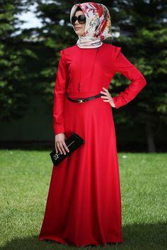 Hennin Kırmızı İnci Düğmeli Elbise